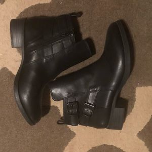 Shoes - Black booties like NEW